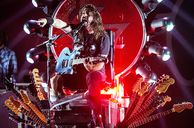 dave-Grohl-of-Foo-Fighters-perform-in-Cesena-italy-oct-2015-billboard-650